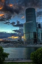 iPhone fondos de pantalla Moscú, capital rusa, rascacielos, nubes, puesta del sol, río, puente