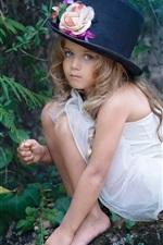 Preview iPhone wallpaper Magic cute little girl, hat