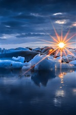 Preview iPhone wallpaper Winter, snow, ice, sun rays, sunset, sea