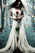 iPhone обои Креативный дизайн, сожгли бумаги, белое платье девушка, лес, деревья, огонь