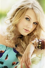 Taylor Swift 75