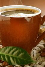 Copo, bebida café, vapor, grãos de café, folha