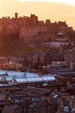 Preview iPhone wallpaper Edinburgh Castle, Scotland, stronghold, city, houses, buildings, dawn