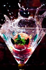 Preview iPhone wallpaper Glass cup, drinks, water drops, splash, strawberry