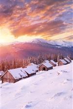 Montanhas, casas, inverno, neve espessa, frio, sol