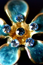 Preview iPhone wallpaper Flower shaped ring, gemstones, aquamarine, glare, luxury