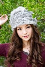 Jancy Wong, leaves, hat