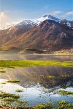 Itália bela natureza, lago, montanhas, grama, água, céu azul