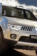 iPhone fondos de pantalla Mitsubishi Pajero Dakar, la velocidad del coche SUV