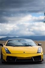 미리보기 iPhone 배경 화면 노란색 람보르기니과 검은 색 BMW 자동차 전면보기