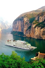 Preview iPhone wallpaper Yangtze River, boat, cruise, mountain, cliff, Chinese landscape
