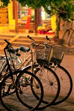 iPhone fondos de pantalla Ciudad, noche, calle, bicicletas, acera