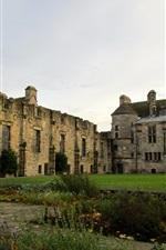 Preview iPhone wallpaper Palace and Garden ruins, Falkland, Scotland