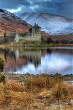 Preview iPhone wallpaper Scotland, Kilchurn Castle, ruins, lake, mountains, clouds