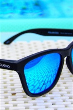 Preview iPhone wallpaper Blue sunglasses