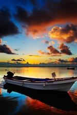 iPhone fondos de pantalla Lago a la puesta del sol, barcos, noche, nubes
