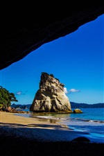 Preview iPhone wallpaper Travel to New Zealand, from Cathedral Caves look to the sea
