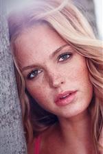 Erin Heatherton 03