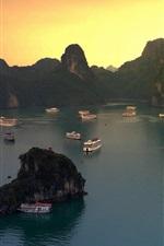 Halong Bay, Vietnã, barcos, montanhas, pôr do sol