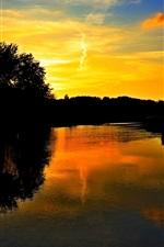 iPhone обои Озеро, деревья, закат, облака