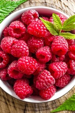 Preview iPhone wallpaper Fresh red raspberries, fruit
