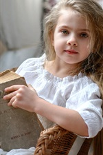 Preview iPhone wallpaper Russia cute little girl reading book