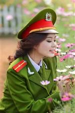 iPhone壁紙のプレビュー アジアの軍服の少女と花