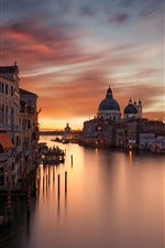 iPhone fondos de pantalla Ciudad, casas, Gran canal, por la noche, el cielo rojo, Venecia, Italia