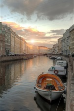 Preview iPhone wallpaper Leningrad, city, river, boats, houses, sunset, Russia