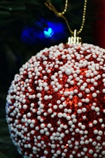 Preview iPhone wallpaper Red Christmas ball close-up, white decoration