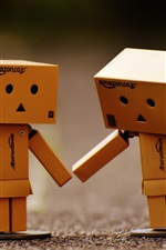 Cardboard man, friends, Danbo