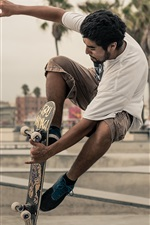 Preview iPhone wallpaper Extreme sports, street skateboarding, city