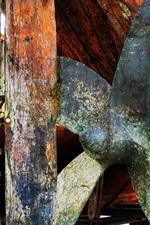 Preview iPhone wallpaper Rusty ship impeller
