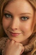 Elisabeth Harnois 02