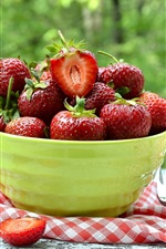 Preview iPhone wallpaper Fresh strawberries, bowl