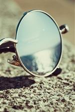 Preview iPhone wallpaper Sunglasses, still life