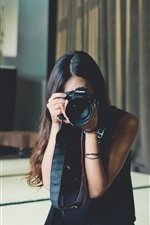 Preview iPhone wallpaper Asian girl use Canon camera