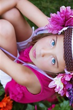 Preview iPhone wallpaper Blue eyes child girl look up, flowers