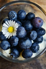 Preview iPhone wallpaper Blueberries, chamomile, bowl
