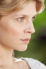 Preview iPhone wallpaper Clemence Poesy 03