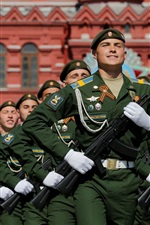 Preview iPhone wallpaper Russian soldier, Red Square