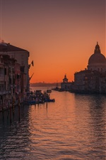 Preview iPhone wallpaper Venice in the morning, sea, houses, sunrise