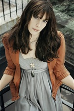 Preview iPhone wallpaper Liv Tyler 05