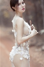 Preview iPhone wallpaper White lace dress girl look back