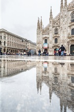 Preview iPhone wallpaper Italy, Cathedral, Milan, water reflection