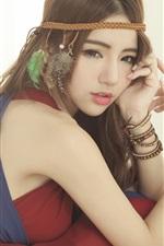 Menina asiática, vestido vermelho, pose