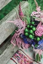 iPhone壁紙のプレビュー ブーケの花、木のベンチ