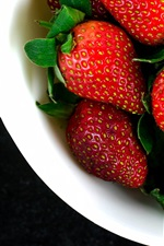 Preview iPhone wallpaper Bowl, fresh strawberries, fruit photography