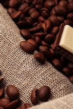 Preview iPhone wallpaper Chocolate, coffee beans