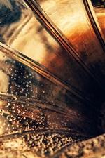 Preview iPhone wallpaper Gramophone pipe, speaker, water drops